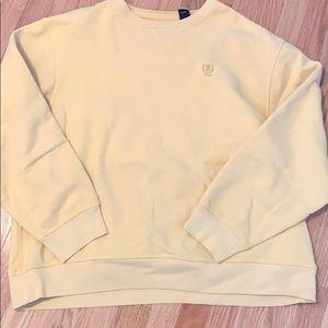 izod yellow sweatshirt